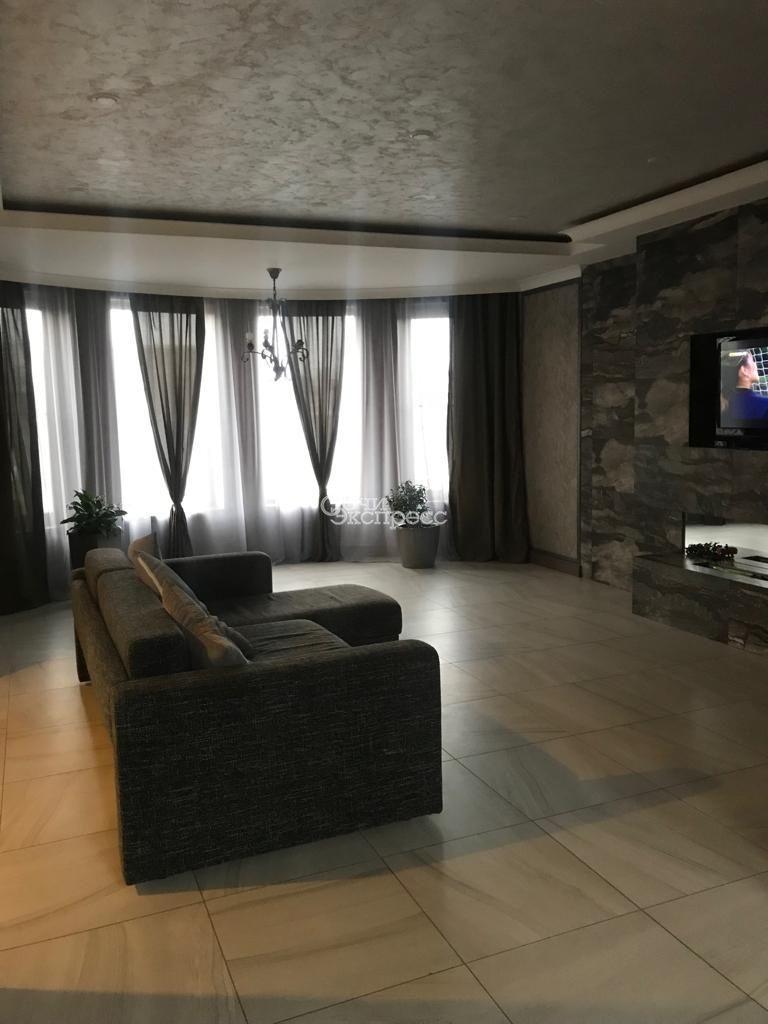 Дом 250м² на участке 7 сот