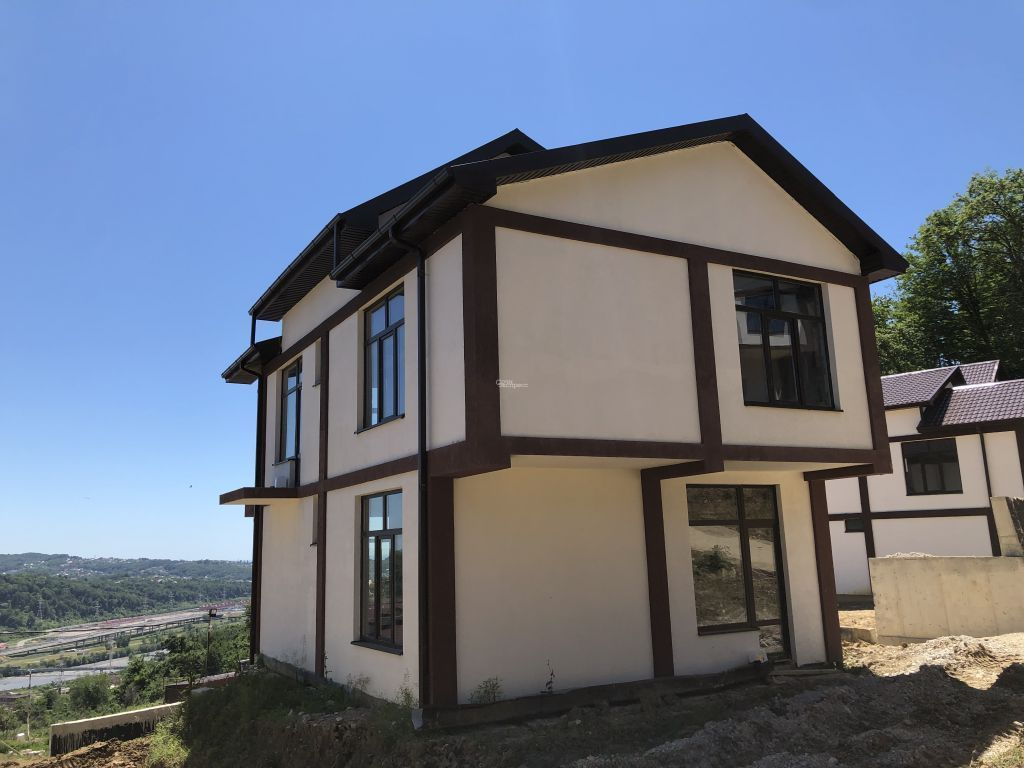 Дом 200м² на участке 4.8 сот