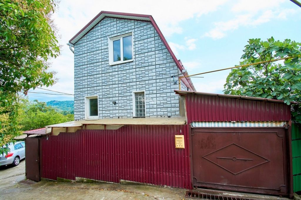 Дом 270м² на участке 5 сот