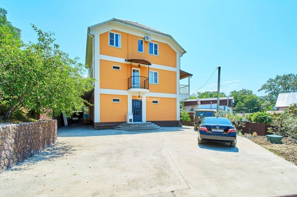Дом 300м² на участке 6 сот