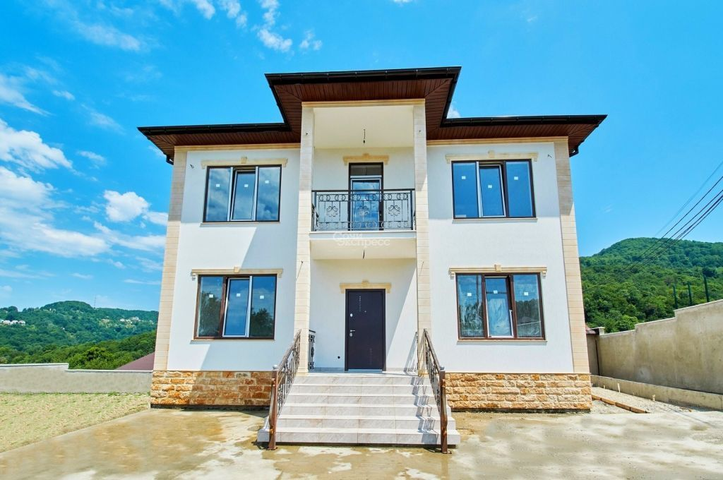 Дом 200м² на участке 6 сот