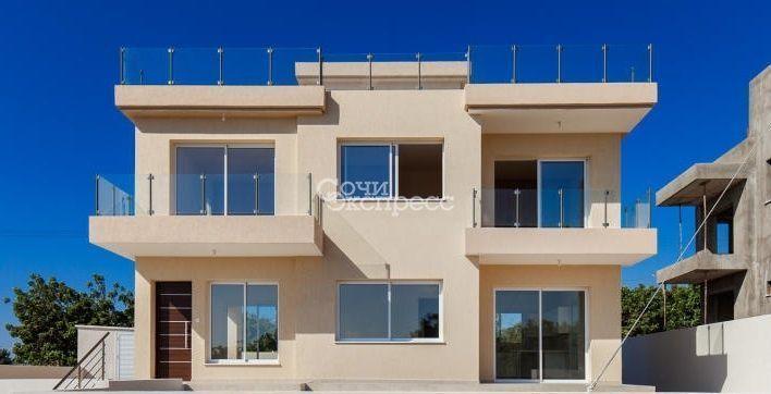 Дом 215м² на участке 5 сот