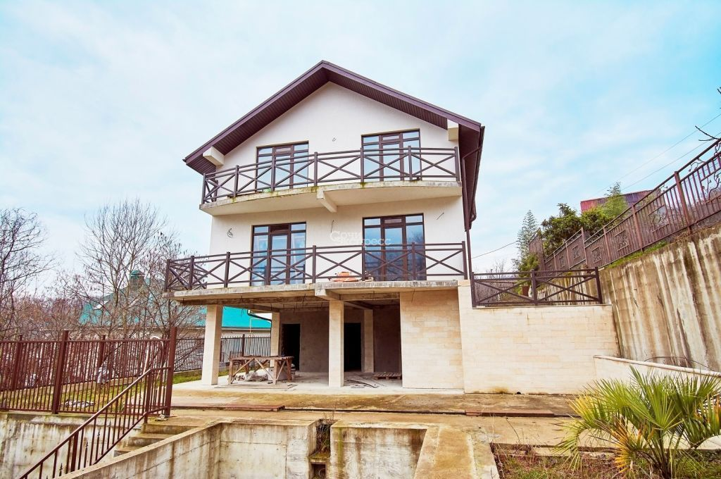 Дом 260м² на участке 7 сот