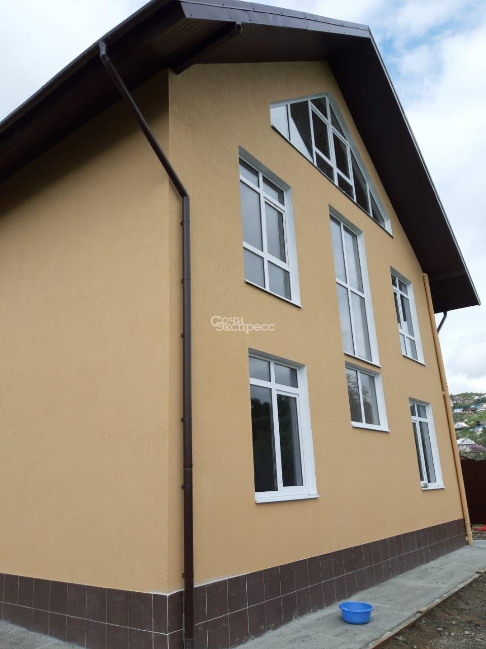 Дом 214м² на участке 5 сот
