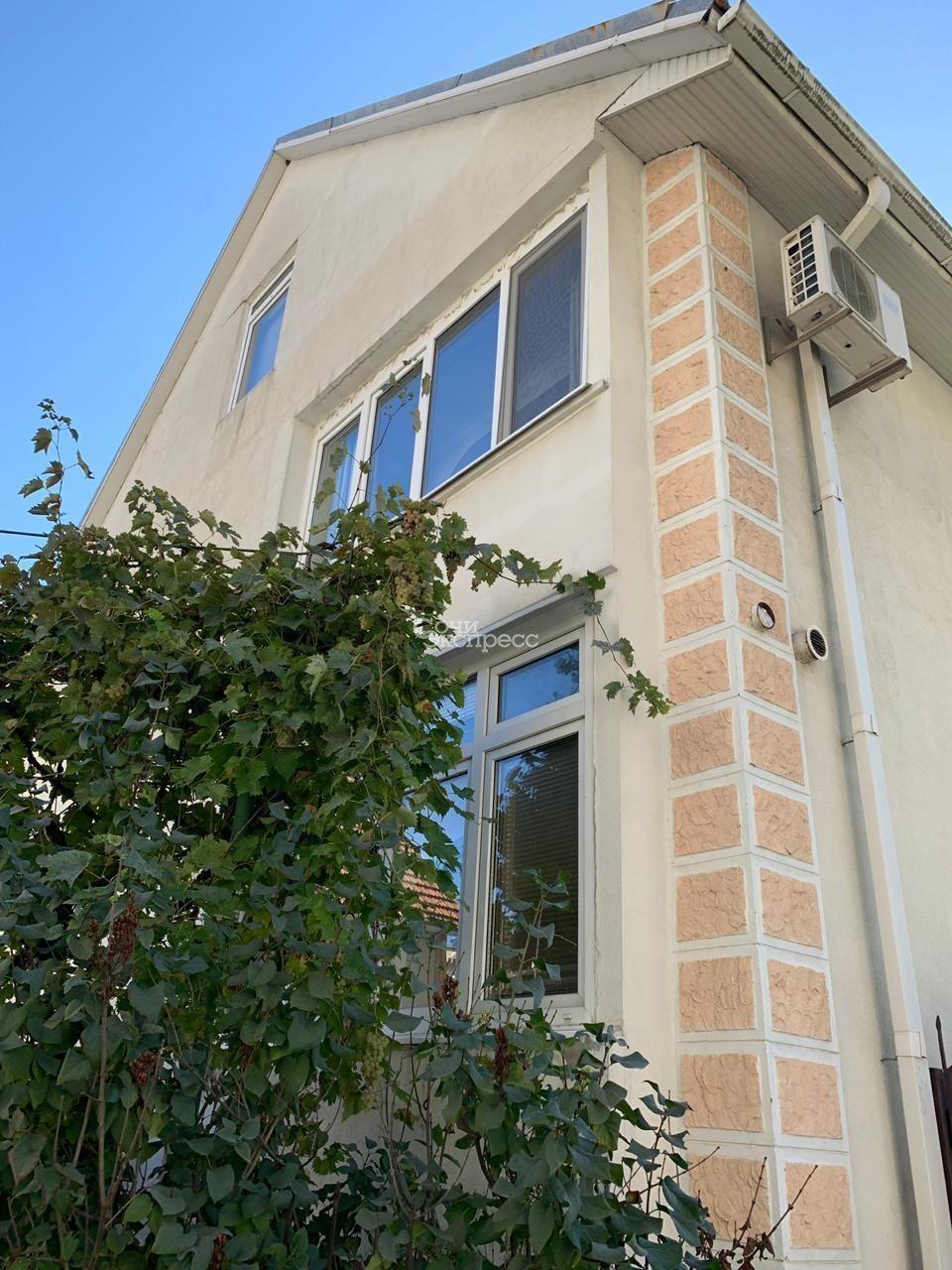 Дом 260м² на участке 12 сот