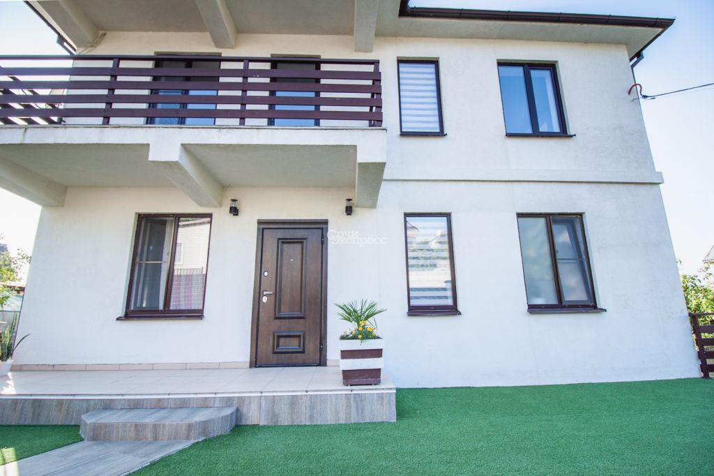 Дом 230м² на участке 9 сот