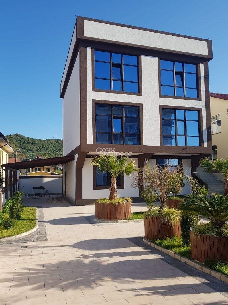 Дом 300м² на участке 3 сот
