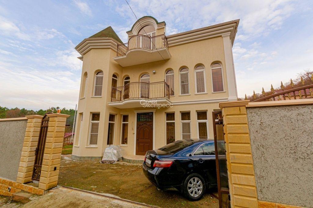 Дом 300м² на участке 5 сот