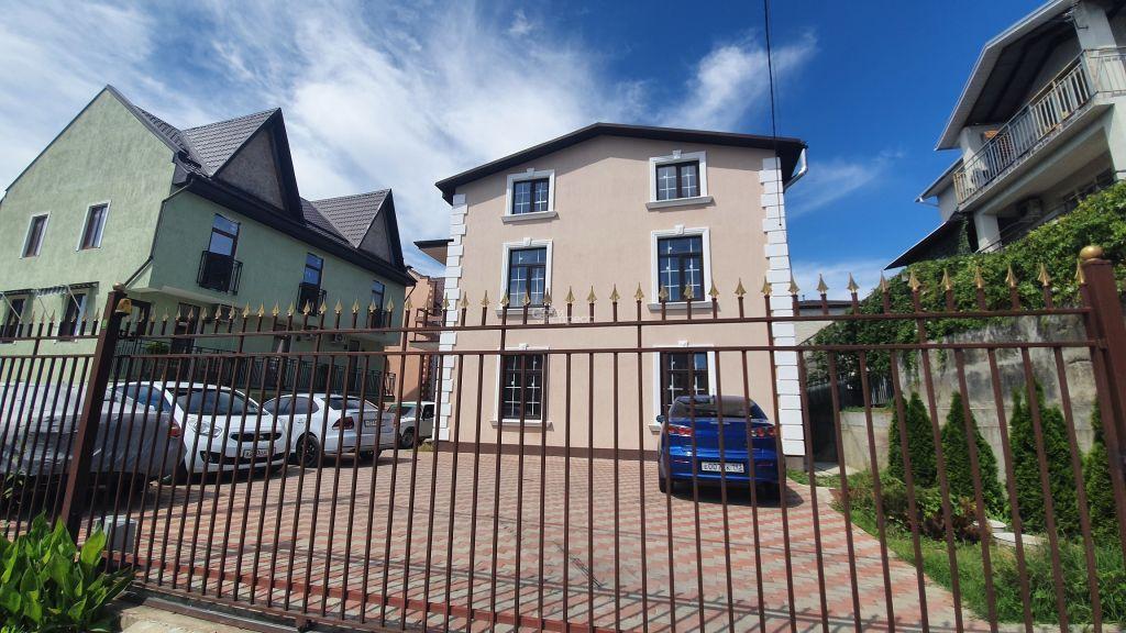 Дом 130м² на участке 2 сот