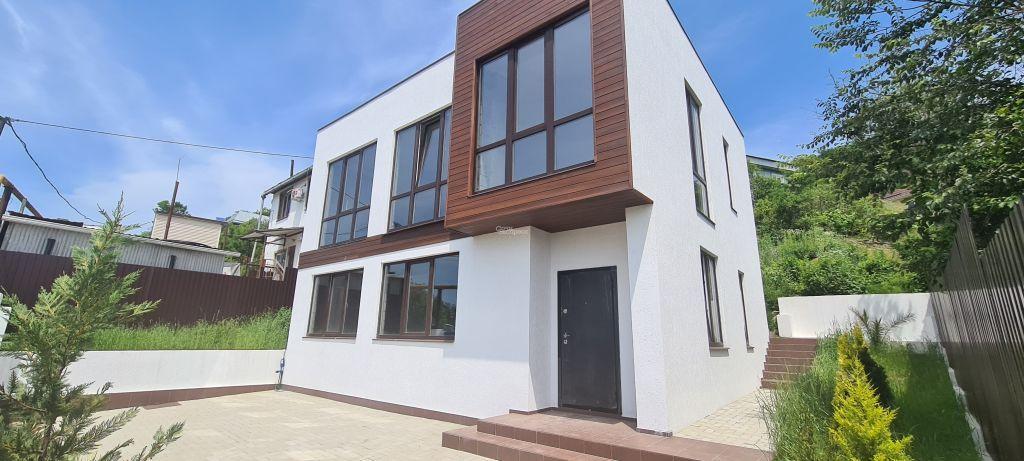 Дом 210м² на участке 5 сот