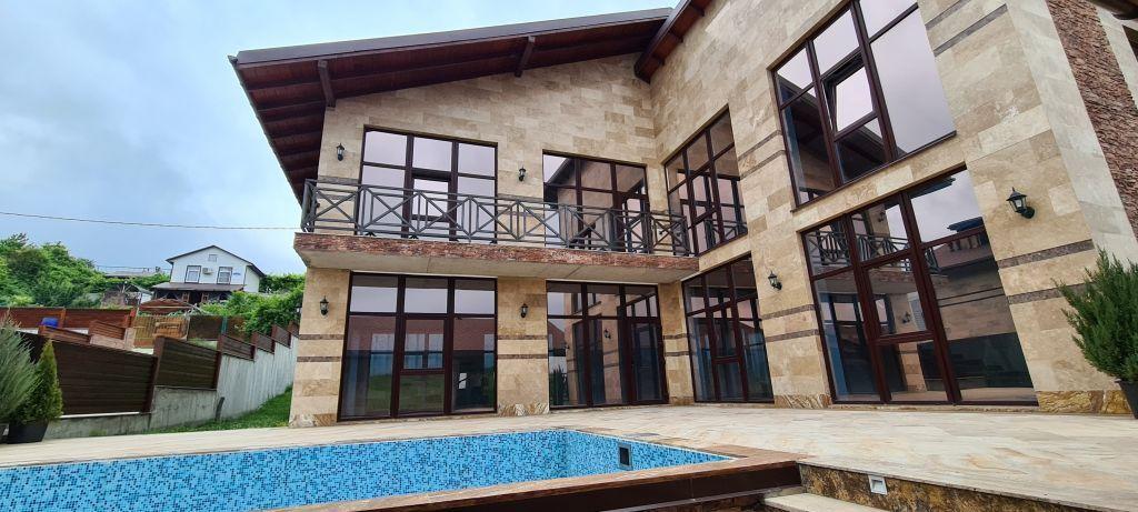 Дом 400м² на участке 10 сот